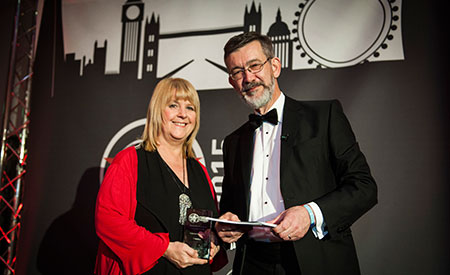 Dot Tudor of TCC awarded Outstanding Contribution from a DSDM Team Member at the Agile Awards